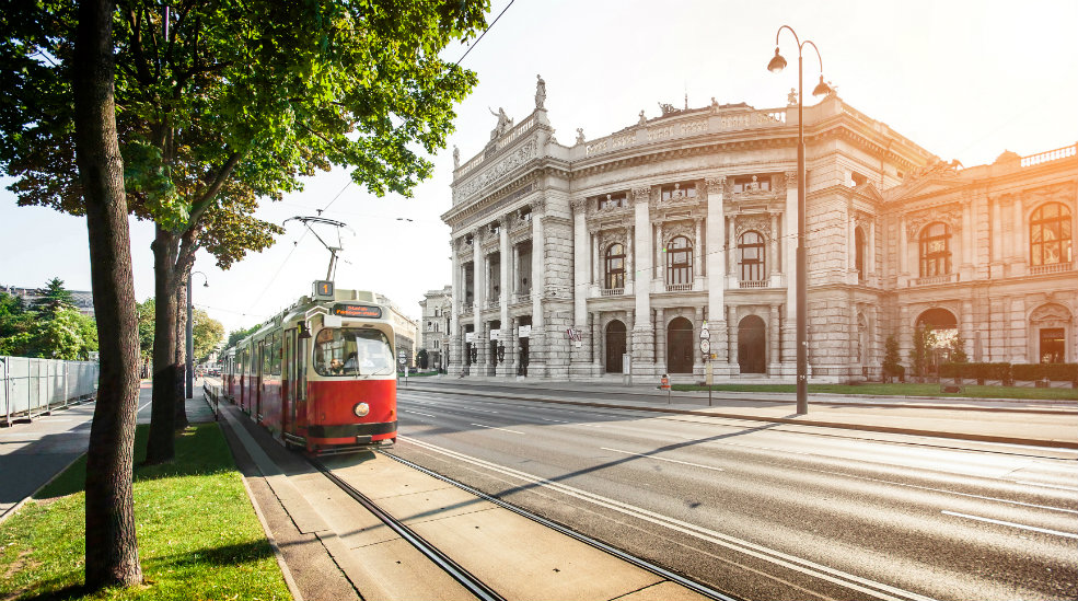 Opplev Burgtheater i Wien med Nordic Choice Club